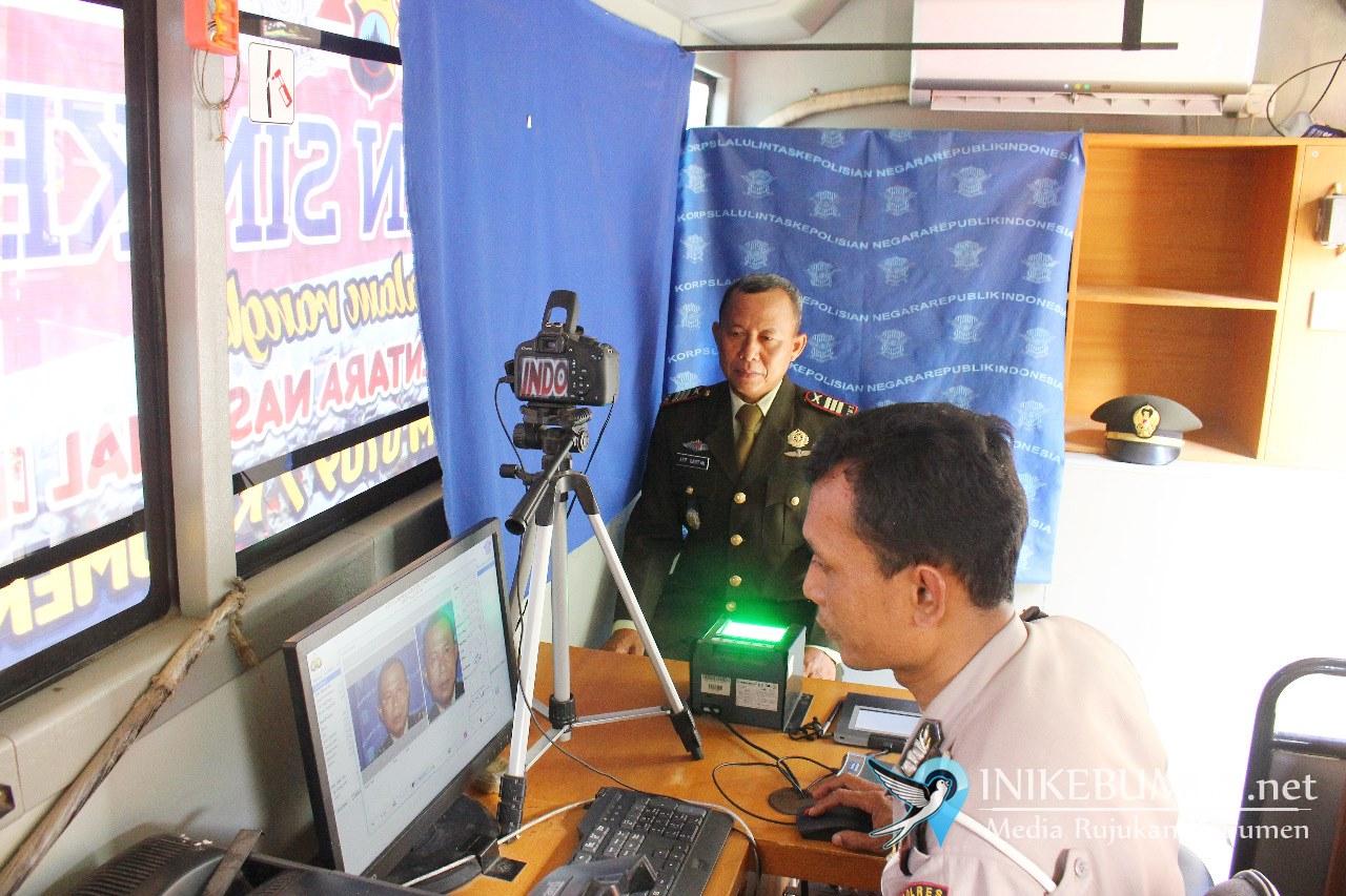 Peringati HUT TNI, Polres Kebumen Gratiskan Biaya Perpanjangan SIM bagi Anggota TNI