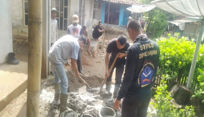 Di Penghujung Tahun, Ormas BPPKB DPAC Bayah Gelar Kegitan Bakti Sosial