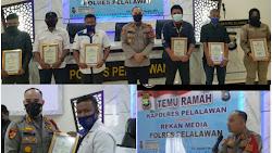 Tali Asih Kapolres Pelalawan Kepada Wartawan  Janji Berikan Piagam Beserta Bonus