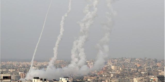 Ratusan Roket Hamas Hujani Israel, Desak Tel Aviv Tarik Pasukan Dari Masjid Al-Aqsa