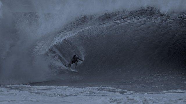 jamie obrien pipeline night surf