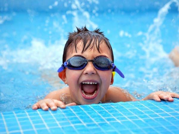 4 Manfaat Berenang Untuk Anak