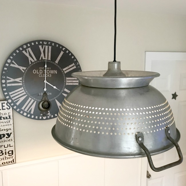 A DIY beautiful hanging farmhouse style colander light