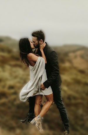 romantic kissing images for whatsapp dp
