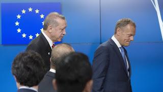 Αυστηρό μήνυμα Τουσκ στον Ερντογάν