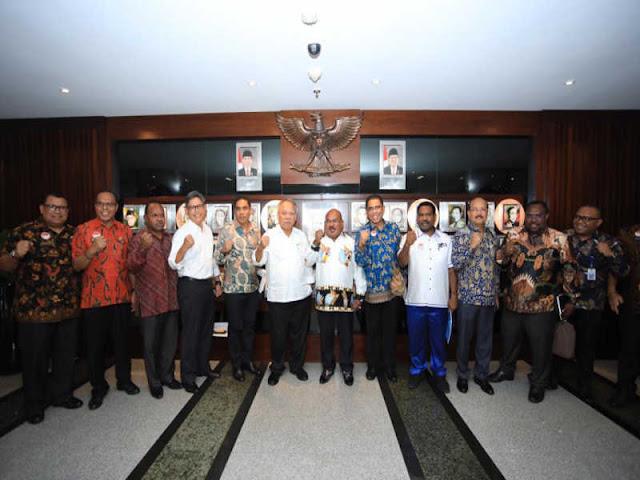 Jelang PON XX 2020, Lukas Enembe Gelar Rapat Perdana di Kementerian PUPR