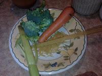Pasta, brócoli, apio y zanahoria