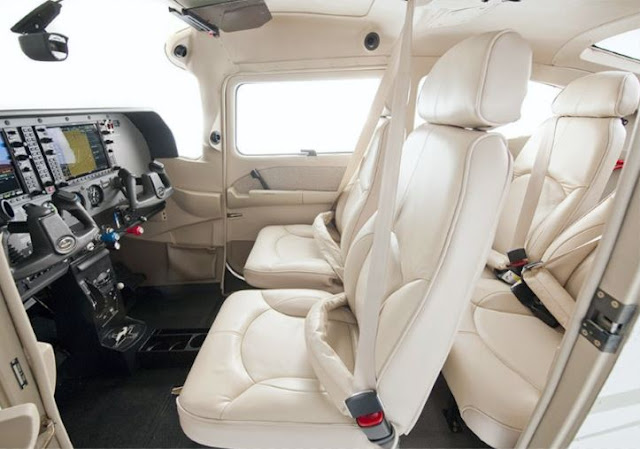 Cessna Skylane interior