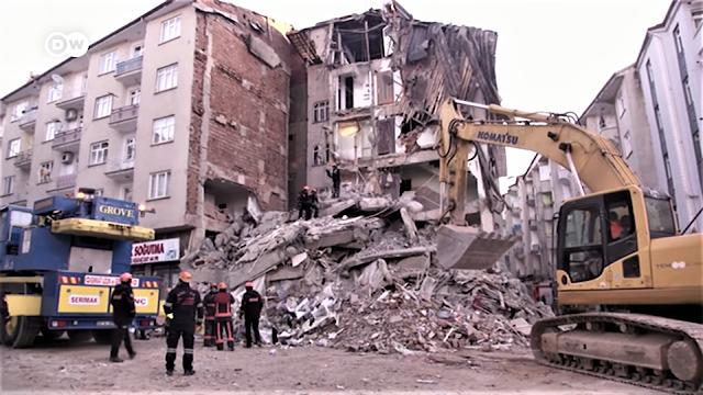 Earthquake hits eastern Turkey.
