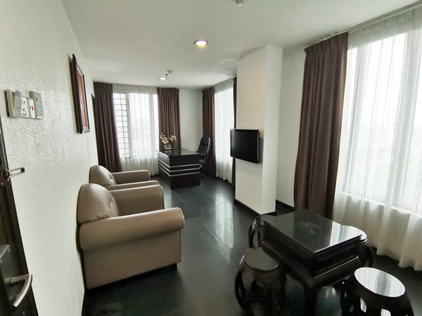 Pengalaman Menginap di Crystal Lodge Kota Bharu