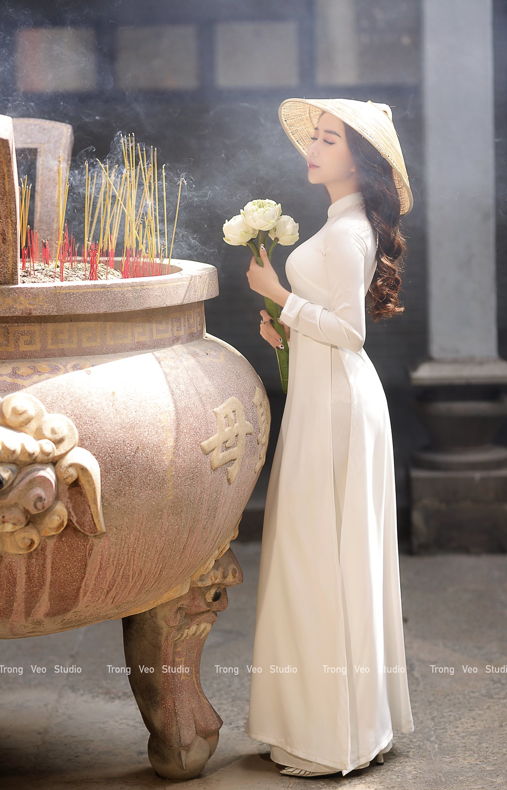 Ngắm hot girl Lục Anh xinh đẹp như hoa không sao tả xiết trong tà áo dài truyền thống - 27