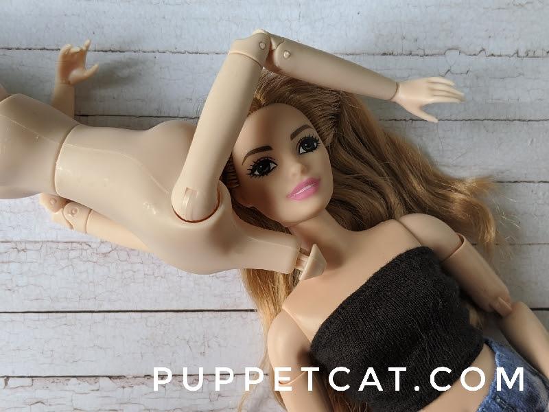 сравнение с Барби curvy