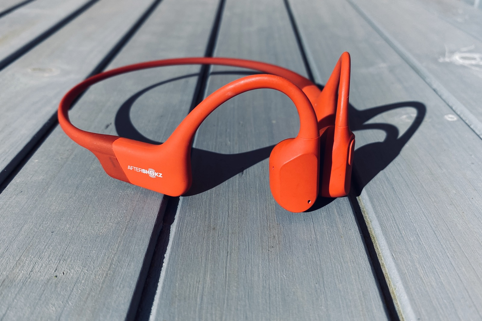 Review Aftershokz Aeropex Bone Conduction Bluetooth Headphones