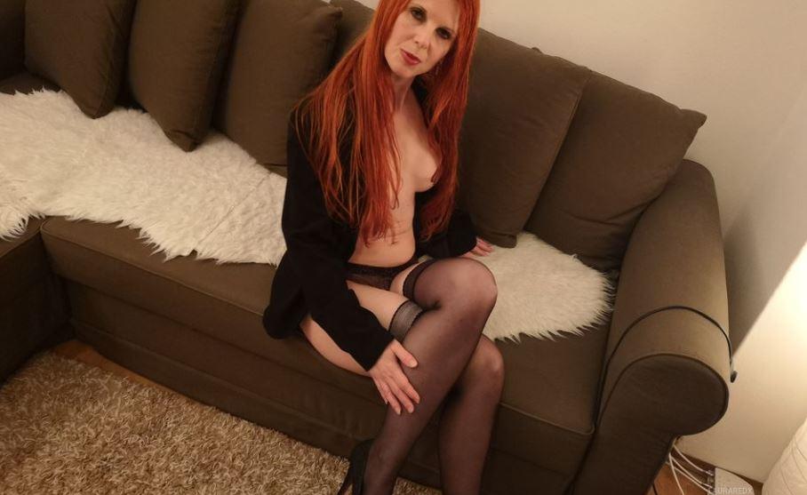 LauraRedx Model GlamourCams