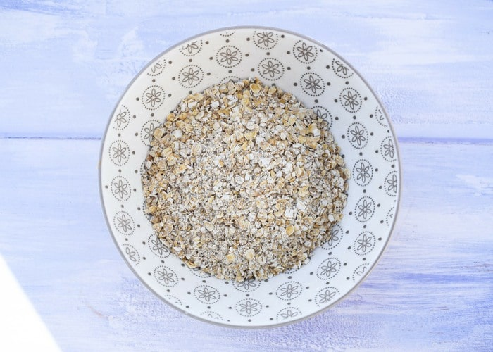 porridge oats in white bowl