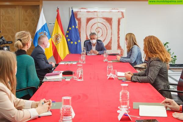 El Gobierno de Canarias traslada al director de la Agencia de los Derechos Fundamentales de la Unión Europea la situación de la migración en las Islas