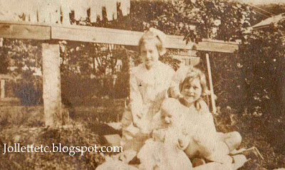 Julia Walsh Slade, Catherine Walsh Baraney, Tate Walsh about 1913 Portsmouth, VA  http://jollettetc.blogspot.com