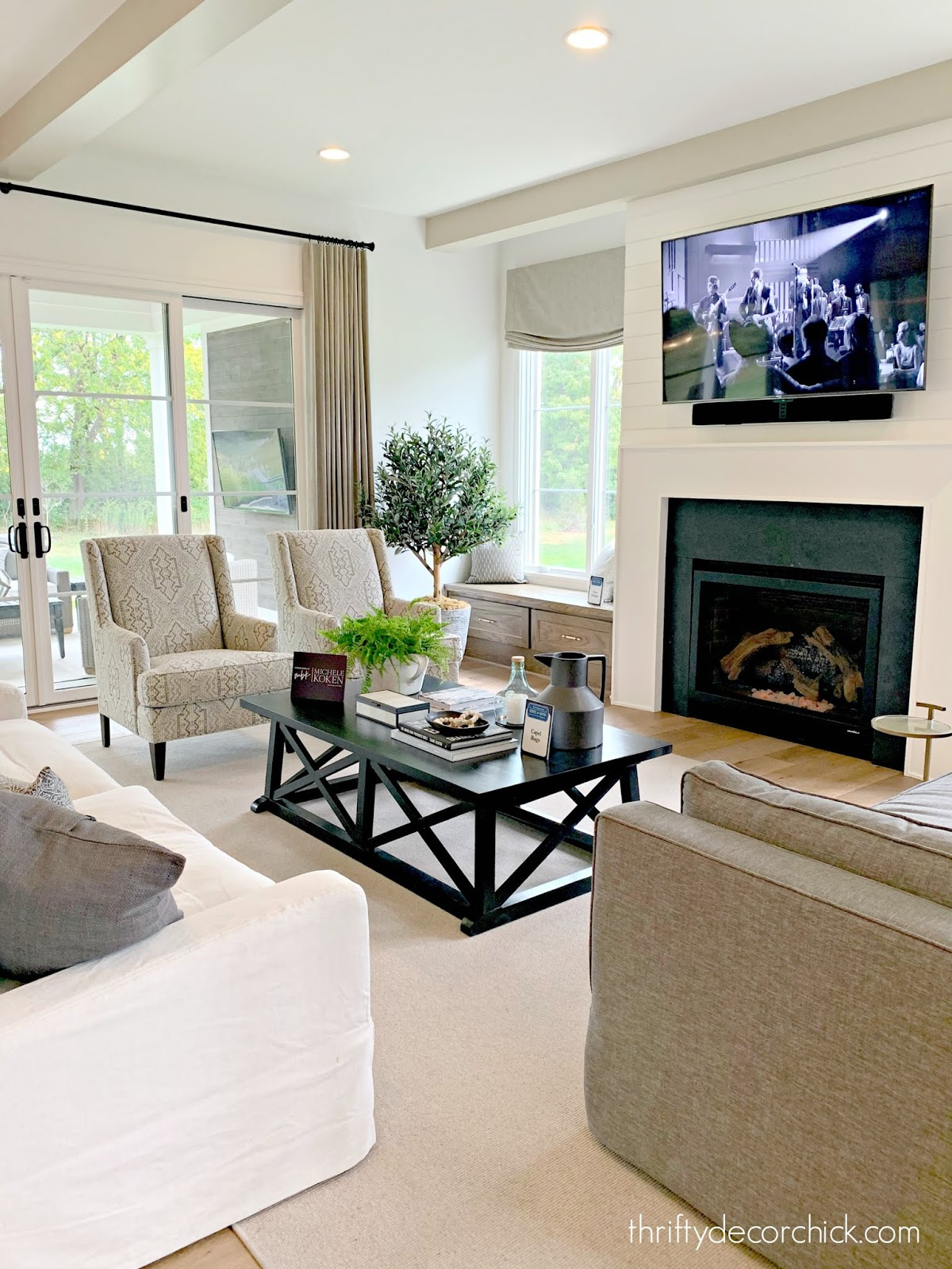 neutral family room with light beige, white and gray