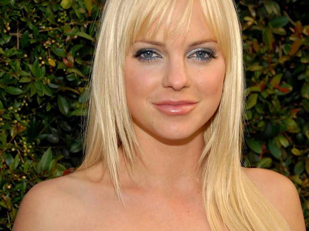 Anna Faris - Celebrities Profile