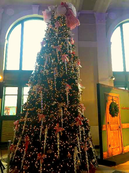 Lovely Christmas tree with all of the trimmings fills the Rockford, IL City Hall.