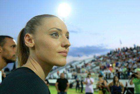Χρυσή και στις καρδιές μας: Τρέλανε κόσμο με τα φυσικά της προσόντα η Ολυμπιονίκης μας, Άννα Κορακάκη! (PHOTO)