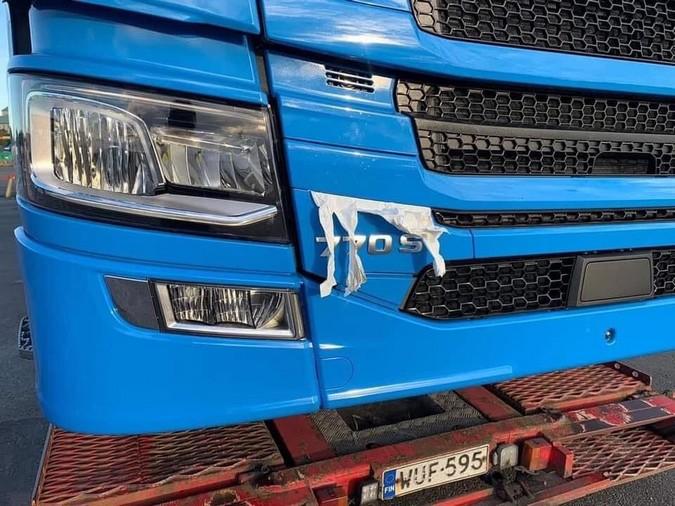 Scania apresentará novo V8 de 770 cv na próxima segunda-feira