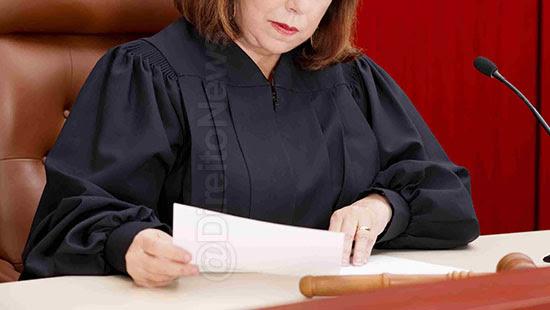 juiza raca negro pede sinceras desculpas