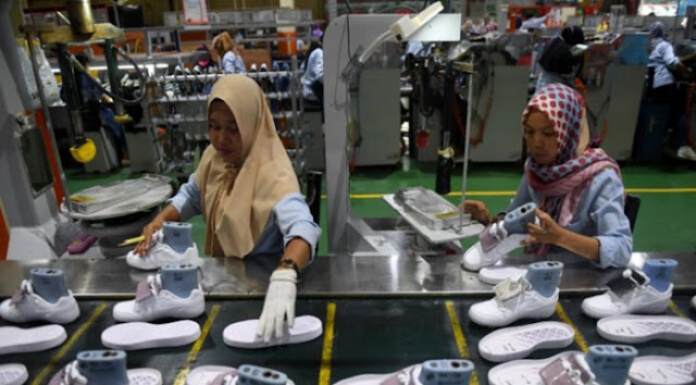 Pabrik Sepatu Merek Terkenal di Tangerang Bangkrut, Ribuan Pegawai Di-PHK