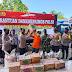 Dankor Brimob Polri Salurkan Sembako Pada Warga Terdampak Gempa di Lumajang