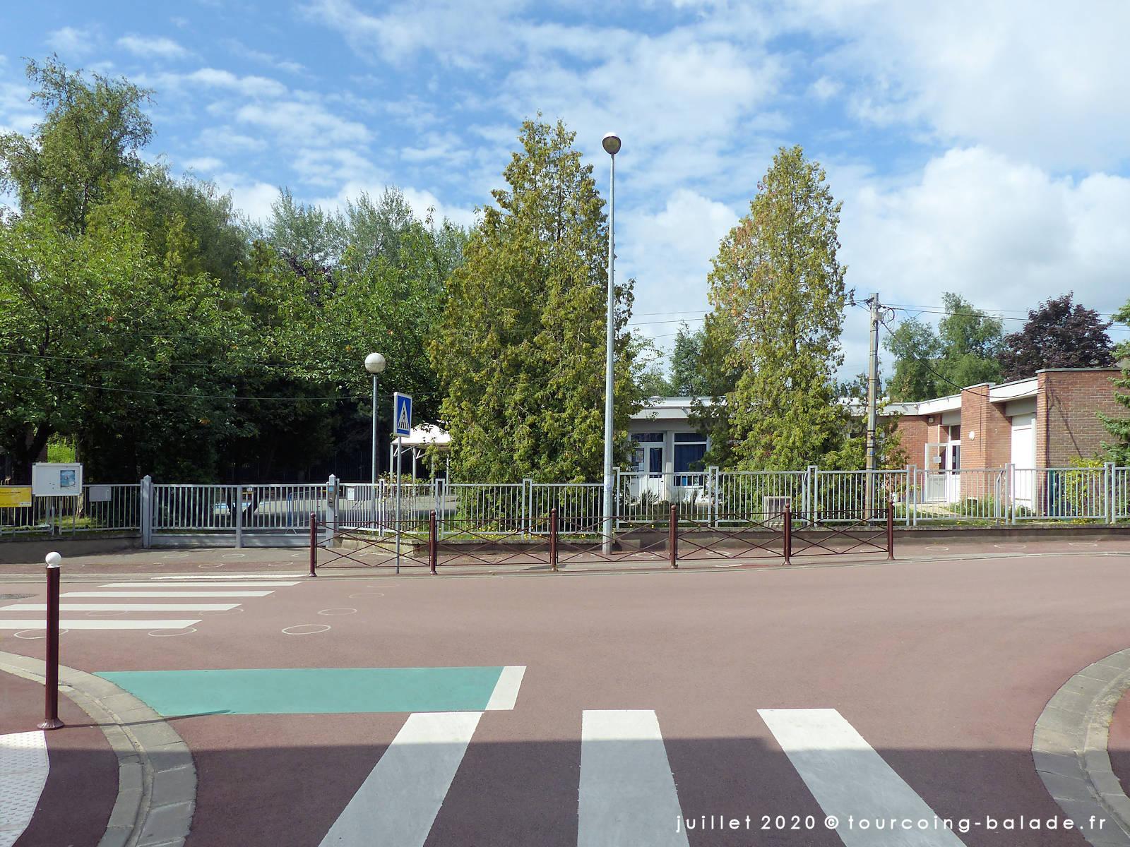 Rue du Clinquet et école maternelle Voltaire, Tourcoing 2020