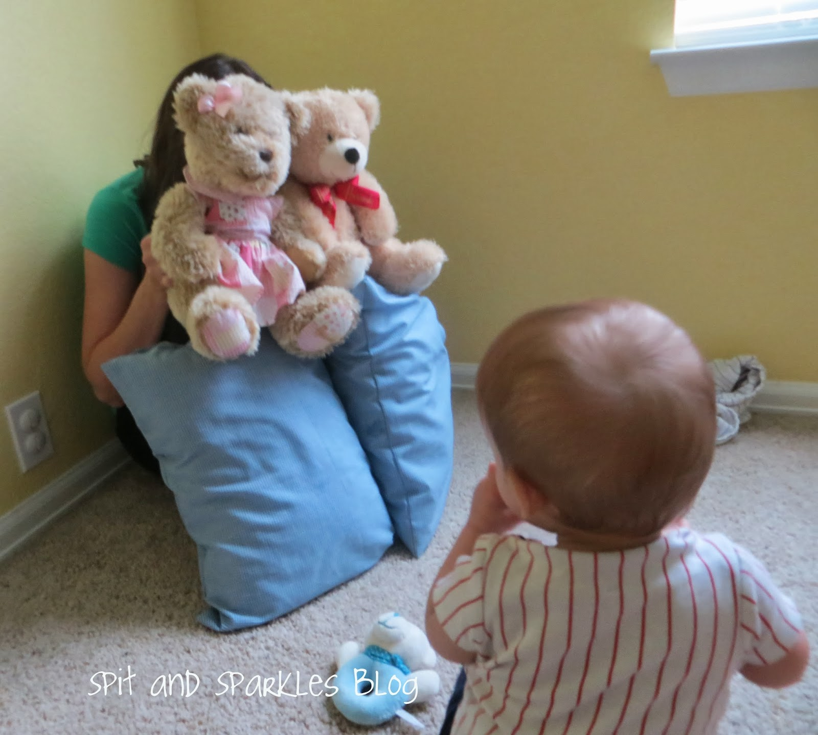 Strengthen baby's problem solving & memory skills and teach object permanence with hide n seek. #totschool #homeschool #babyplay