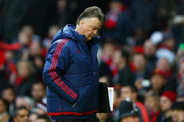 RESMI : Manchester United Pecat Van Gaal