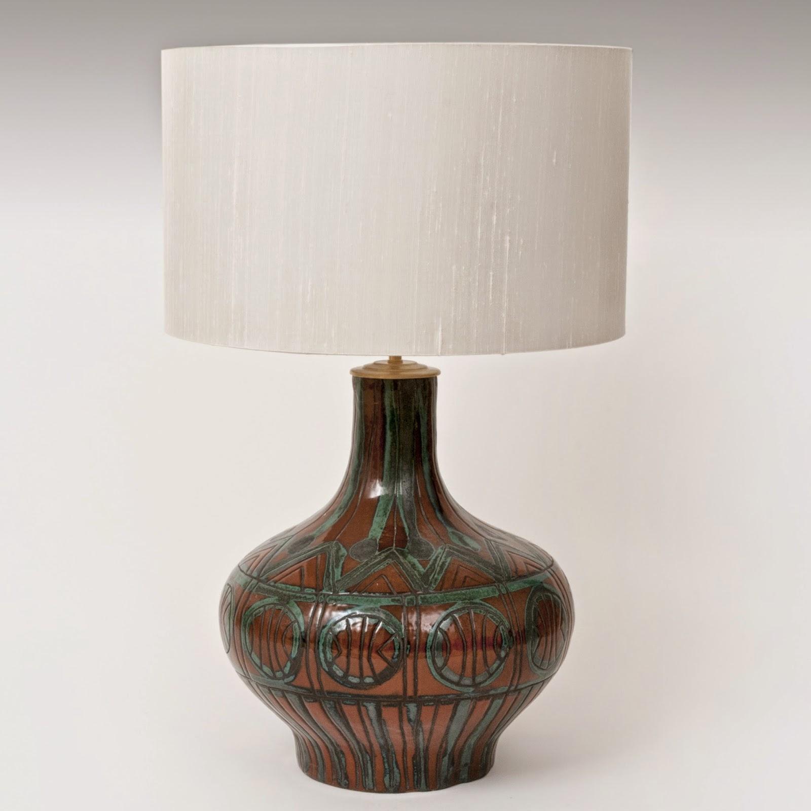 galerie riviera roger capron pied de lampe en c ramique. Black Bedroom Furniture Sets. Home Design Ideas