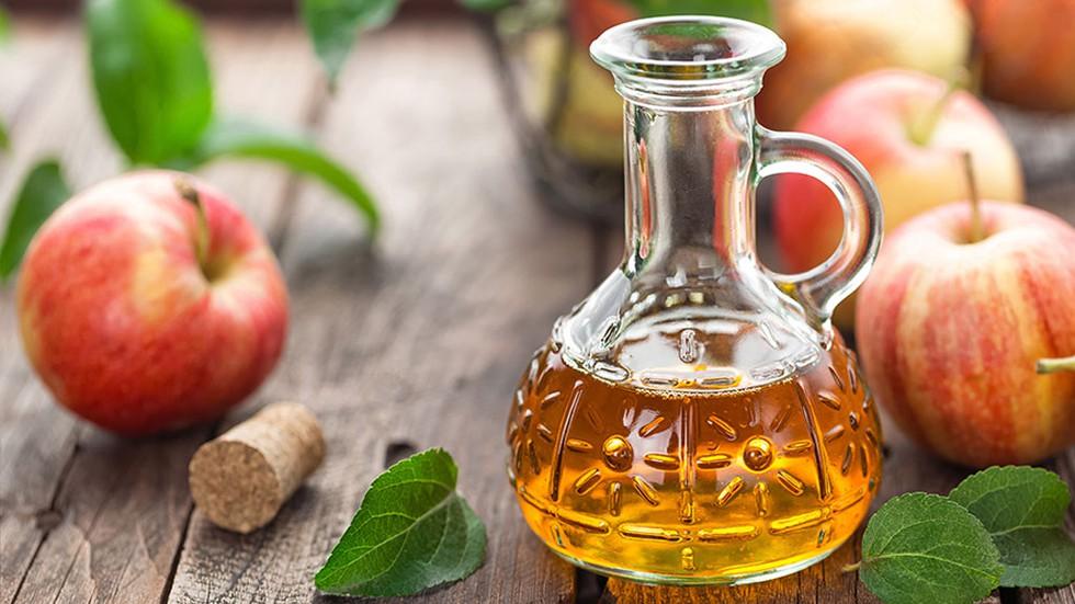Không nên sử dụng giấm táo để trị mụn