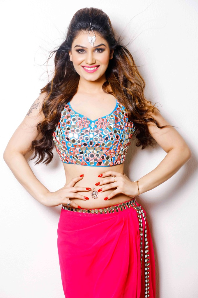 Kangna Sharma Awesome Look Photo Gallery