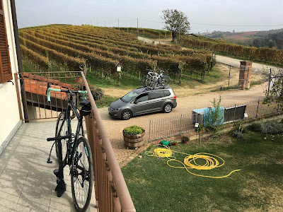 Tuscany bike rental carbon road bicycle cycling in Maremma