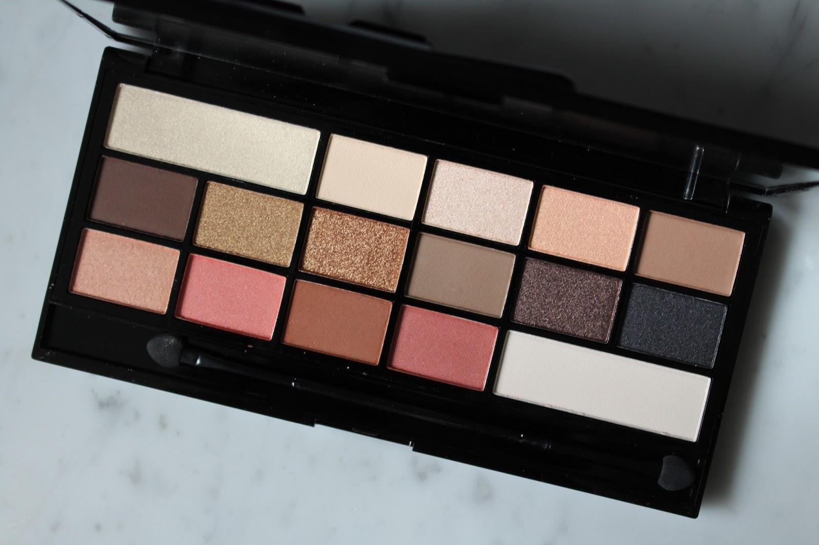 Makeup revolution i love makeup palette