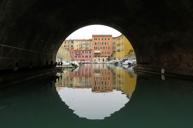 Under San Benedetto bridge, Fosso Reale, Livorno