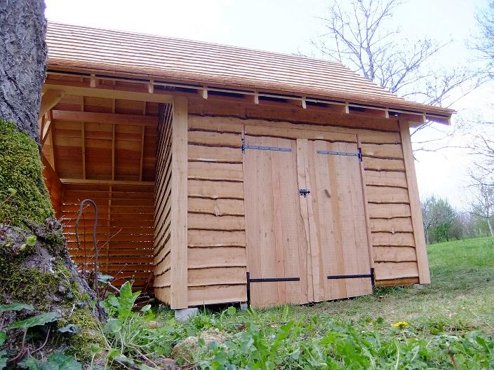 Charpentier Ecoconstructeur en dordogne 24: cabane au fond du jardin