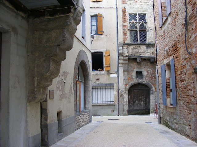 An alley in Cahors, Lot, France. Photo by Loire Valley Time Travel.