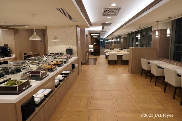 JAL Sakura Lounge at Suvarnabhumi International Airport (Bangkok)
