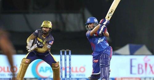 IPL 2021: 6 गेंद पर छह चौके लगाने वाले पृथ्वी शॉ का सोशल मीडिया पर चला जादू, फैन्स हुए नतमस्तक