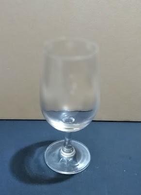 100均ワイングラス