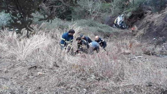 Αυτοκίνητο στη Καλαμάτα  έπεσε σε γκρεμό 150 μ. - Νεκρός ο νεαρός οδηγός