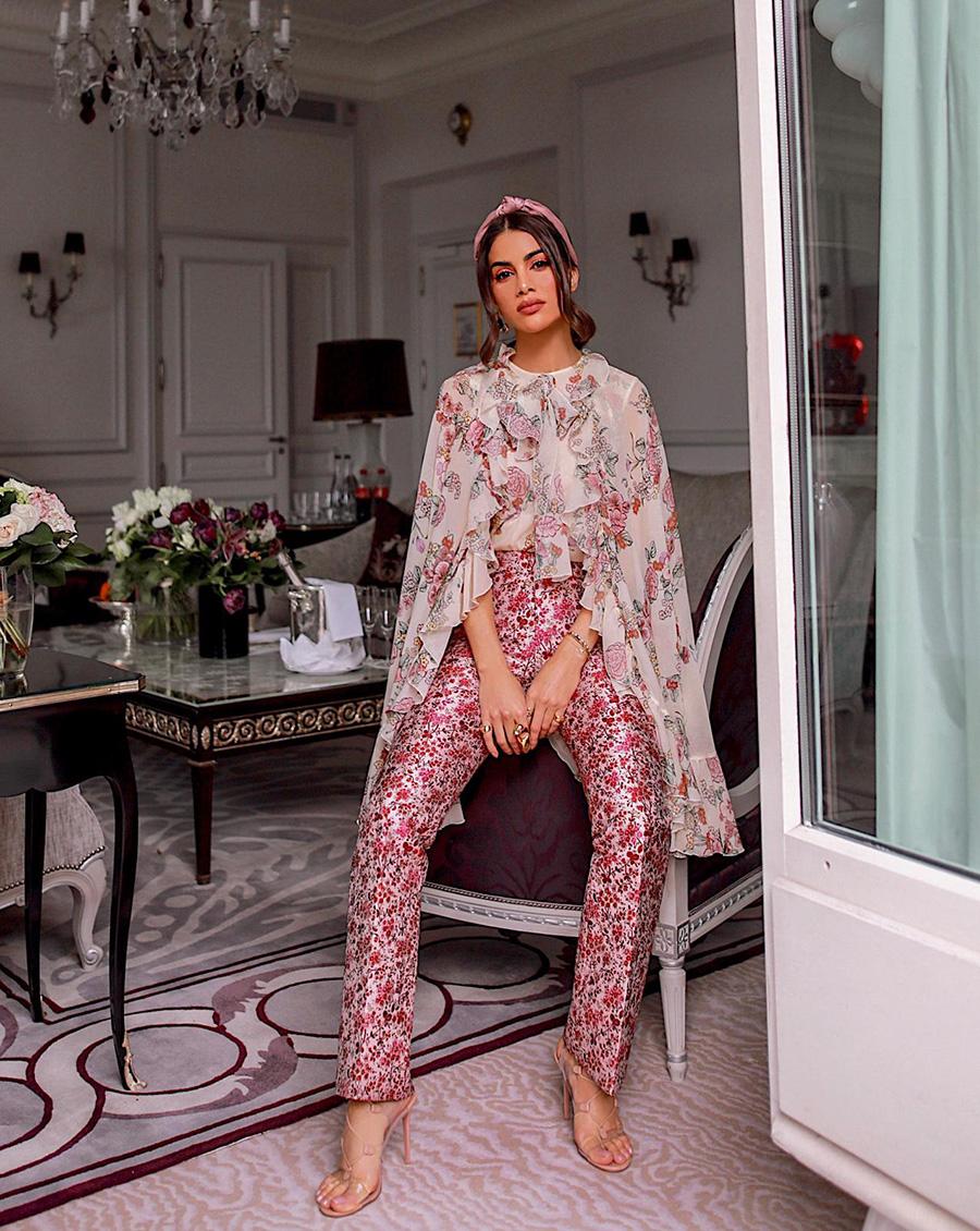 461fabb39 Diva Moda e Fotografia : Look all floral de Camila Coelho