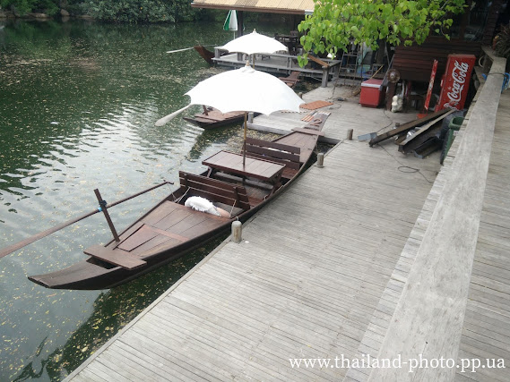 Тайская прогулочная лодка