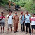 Video: Bupati Samosir Monitoring Pembukaan Jalan Baru di Onan Runggu