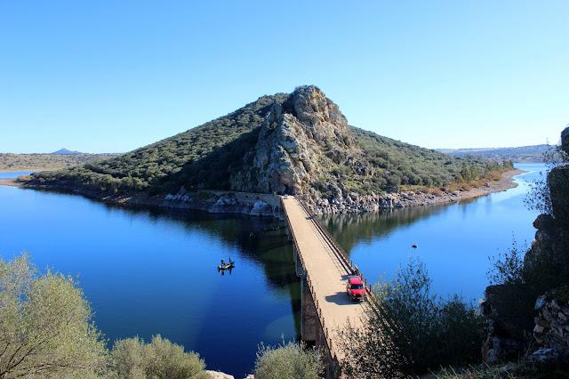 Puente de Cogolludo. Embalse de Orellana