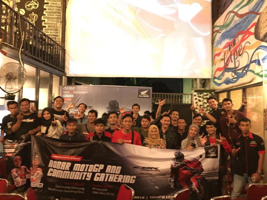 Keseruan Community Gathering dan Nonton Bareng MotoGP AMHL