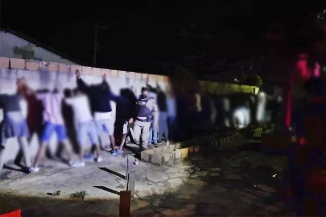 Polícia Militar encerra festa clandestina com 64 pessoas em Paramirim